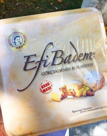<p>Adaya veda etmeden önce sevdiklerinize alabileceğiniz en güzel hediye ise adaya özgü Efi badem kurabiyesi.</p>