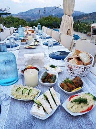 gökçeada gezi rehberi, gökçeada gezilecek yerler, gökçeada restoranlar, gökçeada yeme içme, gökçeada'da ne yapılır